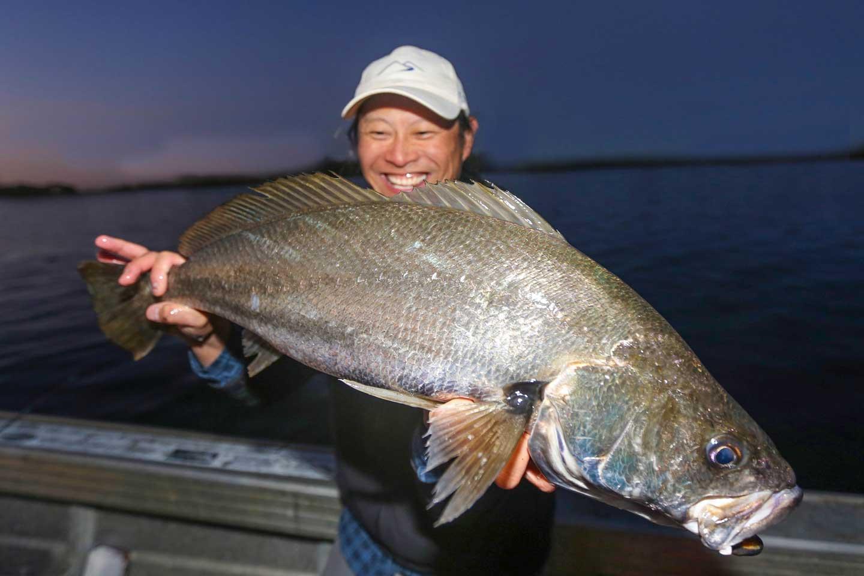 fish-port-stephens-estuary-charters